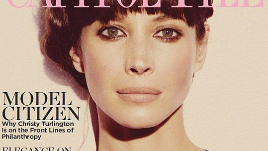 Christy Turlington na obálce časopisu Capitol File.