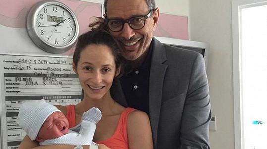 Jeff Goldblum se v 62 letech dočkal syna.