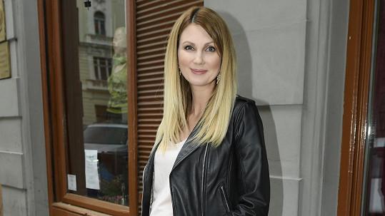 Na Sandře Pospíšilové už je druhé těhotenství znát.