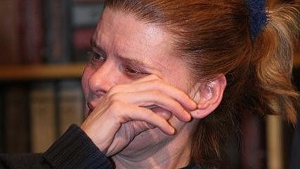 Zuzana propukla v pláč.