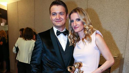 Adela Banášová s přítelem
