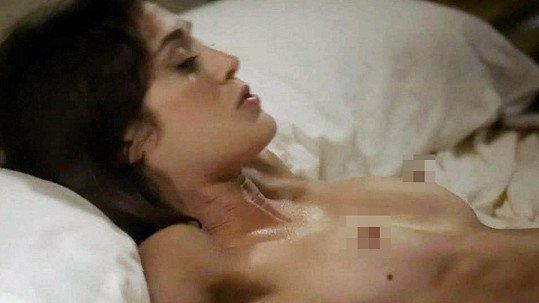 Lizzy Caplan v seriálu Masters of Sex.