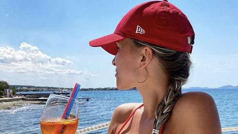 Před stresem a problémy utekla Nela Slováková do Chorvatska: Bujné přednosti vystavila vbikinách