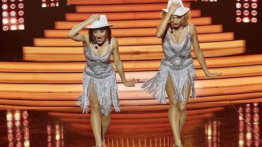 Markéta Procházková a Ivana Jirešová si střihly scénku z muzikálu Chicago.