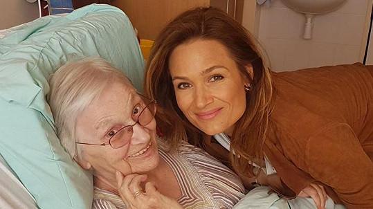 Klára Doležalová se svojí milovanou babičkou