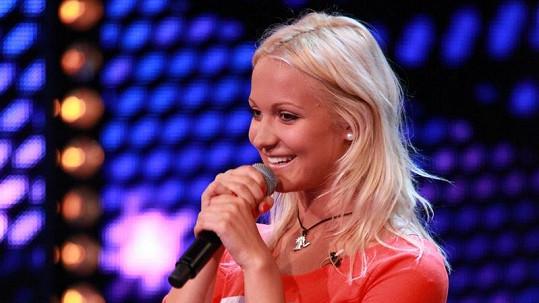 Livie Kuchařová je mladší sestrou krásné Miss Taťány.