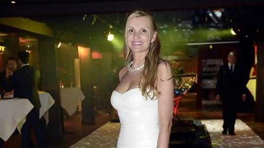 Tamara Kotvalová shodila šest kilo a v upnutých šatech vypadá skvěle.