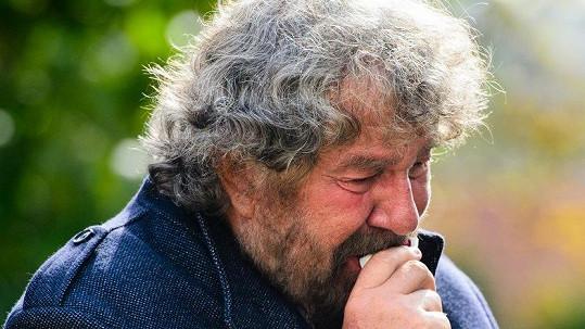Zdeněk Troška na pohřbu své maminky
