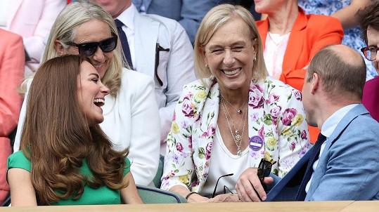 Kate a William jsou vášniví fanoušci tenisu. Na snímku s Martinou Navrátilovou