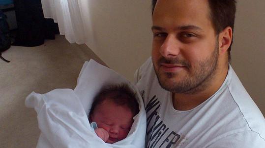 Ondřej Ládek alias Xindl X se synem Mikulášem