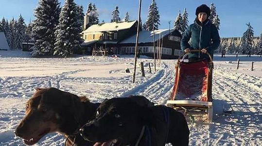Tereza Kostková vyrazila na hory.