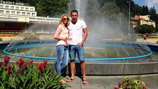 Michal Janotka a Sandra Parmová si užívali v Luhačovicích.