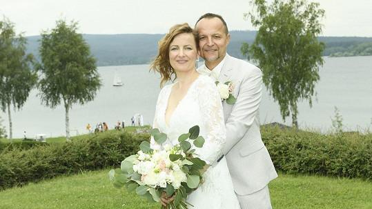 Petr Hradil se oženil.