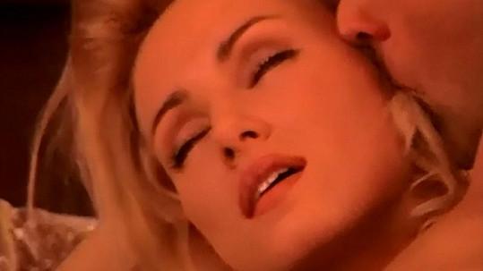 Kateřina Brožová v erotickém filmu. Více ve fotogalerii.