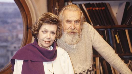 Zdeněk Podskalský s Jiřinou Jiráskovou na archivním snímku
