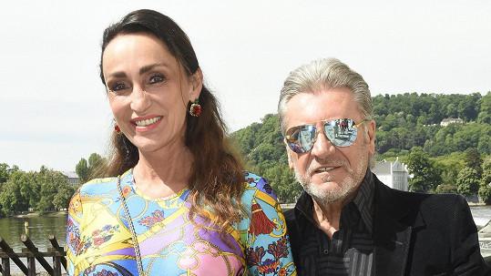 Sisa Sklovská s manželem Jurajem Lelkesem