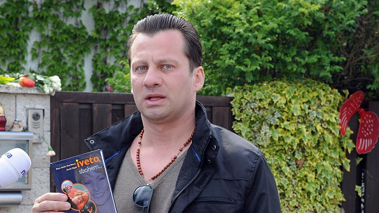 Zvláštní fanoušek Bartošové Petr Veselý pochopil, že potřebuje psychiatry.