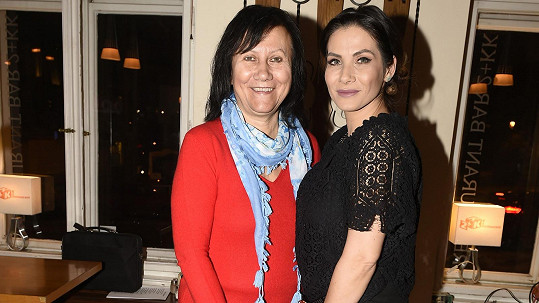 Eva Decastelo s maminkou