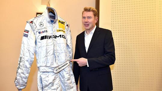 Häkkinen nechá na Plesu v Opeře vydražit svou kombinézu. Původně zvažoval, že dá do dražby přilbu.