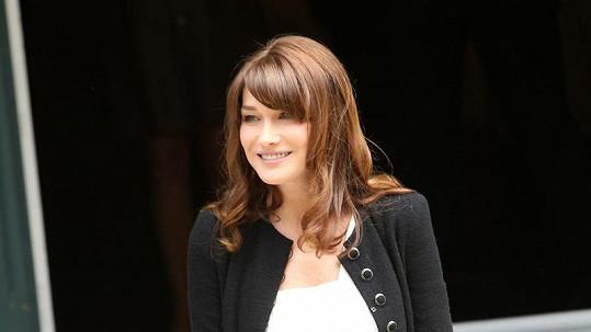 Těhotná Carla Bruni.