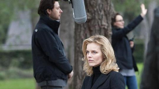 Klapka! Eva při natáčení filmu Cha Cha Cha.