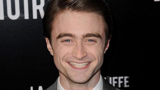 Daniel Radcliffe má rozhodně důvod k úsměvu.