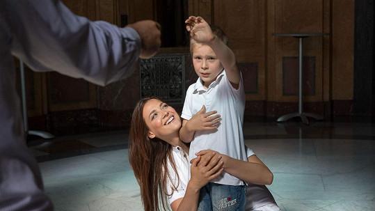 Tohle všechno dělá Kateřina Sokolová pro svého bratra.