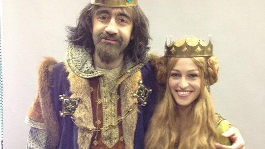 Jakub Kohák v roli Karla IV. a jeho žena Eliška, kterou si zahrála Renata Langmannová.
