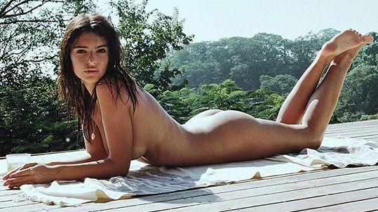 Emily Ratajkowski úplně nahá