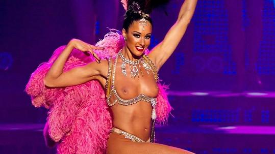 Francouzské tanečnice v Moskvě odhalily svá dokonalá těla.