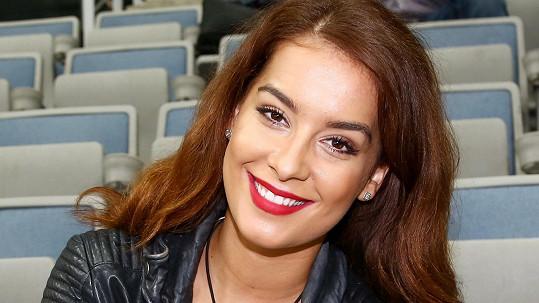 Žene se Česká Miss Earth 2014 pod čepec?