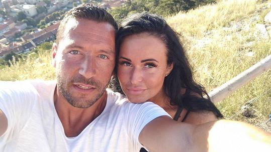 Michal Janotka s přítelkyní Nikolou