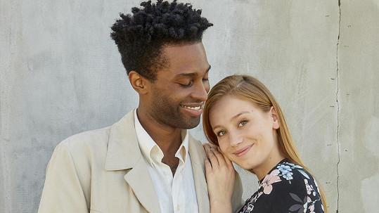 Jared Bailey a Anna Kadeřávková v Ulici