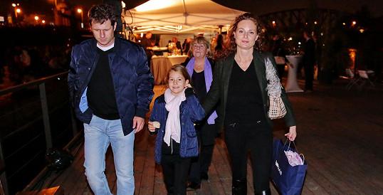 Markéta Hrubešová s přítelem Petrem Syslem a dcerou Christel