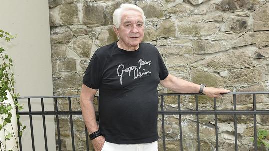 Jiří Krampol narychlo navštívil Vary.
