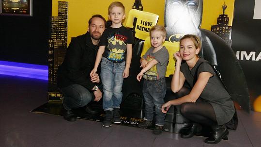 Zuzana Šulajová a Jan Révai s dětmi