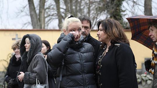 Dominika Gottová plakala u hrobu Karla Gotta.