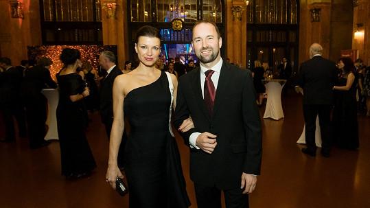 Aleš Valenta s manželkou Elen v Obecním domě