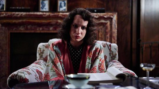 Táňa Pauhofová v roli Lídy Baarové. Ne vždy byla při natáčení načančaná.