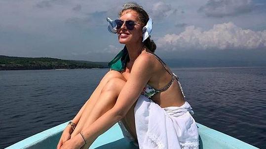 Simona je na Bali spokojená.