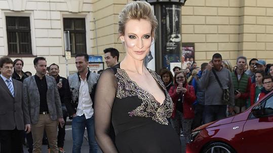 Barbora Vida bude brzy maminkou.