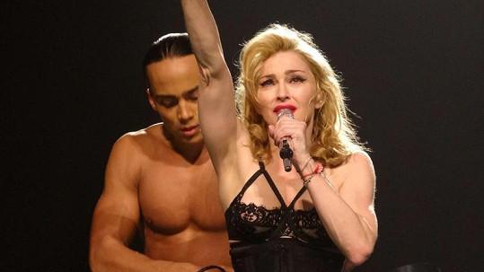 Madonna byla v mládí přepadena a znásilněna.