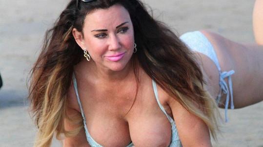 Lisa Appleton je sice zoufalá, ale není to žádná prostitutka.