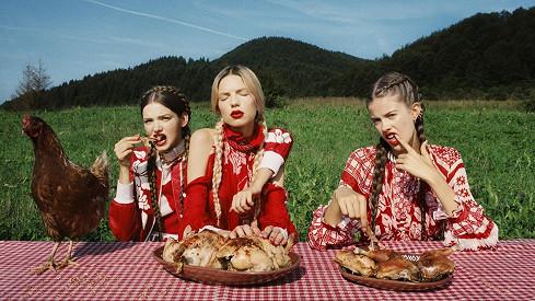 Tak trochu jiné vesnické holky...