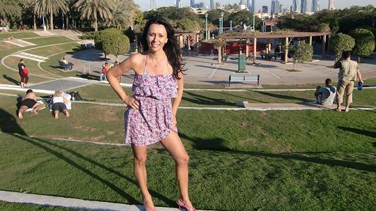 Heidi vystavila svou luxusní postavičku slunci v Dubaji.