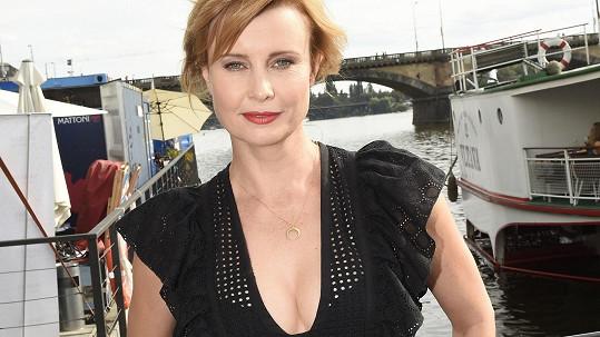Jitka Schneiderová patří mezi naše nejkrásnější herečky.