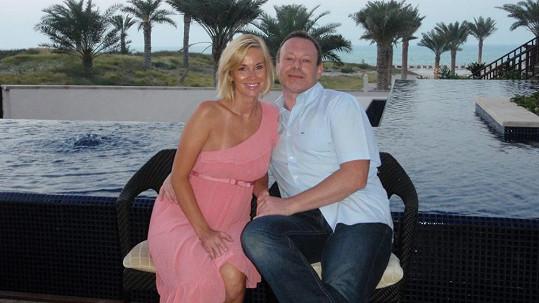 Lucie a Michal strávili dvacet dní v Abú Dhabí. Každý den uspořádali nějakou oslavu.