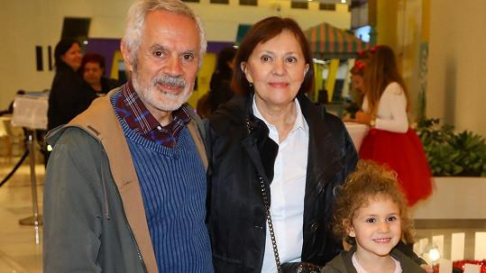 Lenka Termerová s nejmilejšími vyrazila do kina.