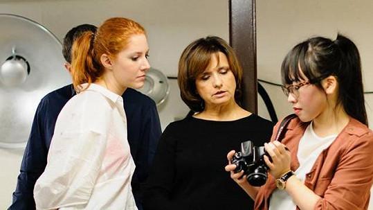 Nikol Kouklová (vlevo), Veronika Freimanová a Angelina Nga Le