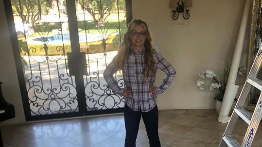 I Britney si dá občas ráda pohov od hvězdného looku...